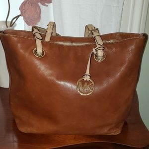 Micheal Kors brown leather bucket tote bag